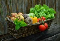 Photo d'un panier rempli de légumes
