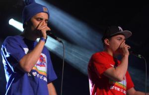 Deux beatboxeurs au micro
